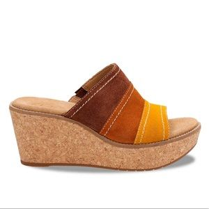 Clark's Artisan Nubuck Aisley Lily Wedge Sandals